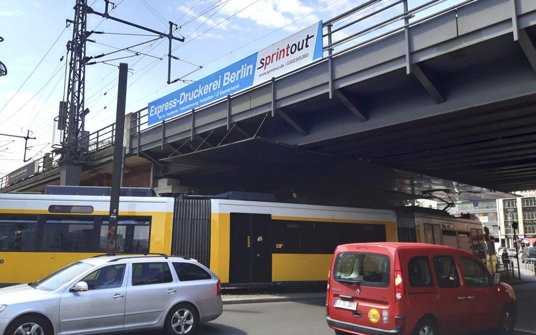 Brückenwerbung Sprintout