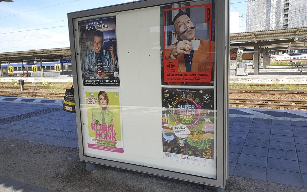 Aussenwerbung in Berlin: Plakate auf Bahnhöfen